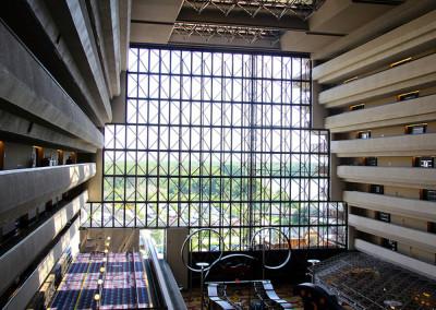 Contemporary concourse