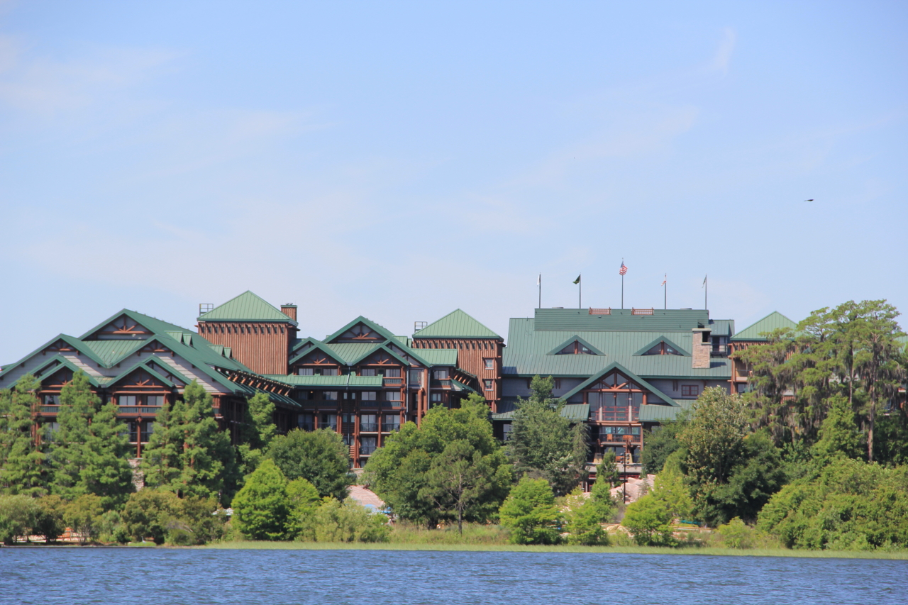 Wilderness Lodge ©PixieDustDaily