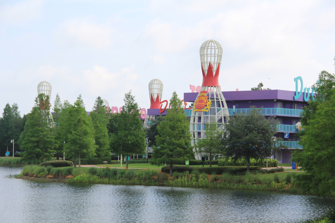 Resorts Pop Century 12