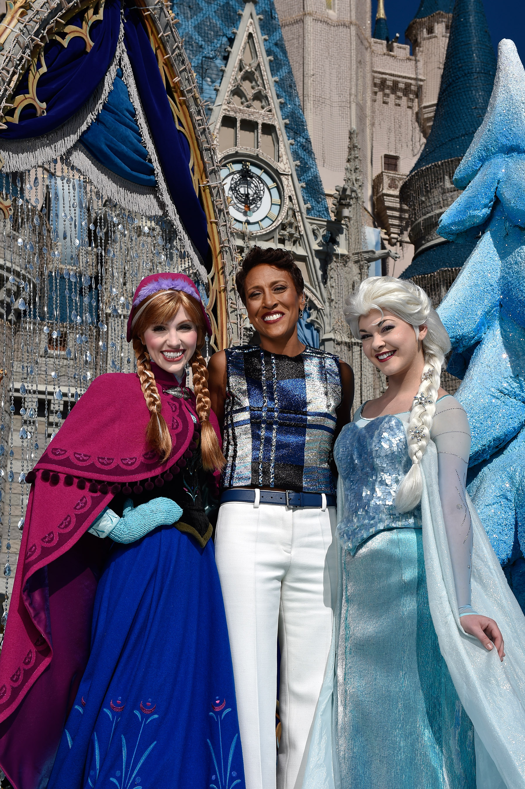 Robin Roberts Hosts This Year's Disney Parks Frozen Christmas Celebration