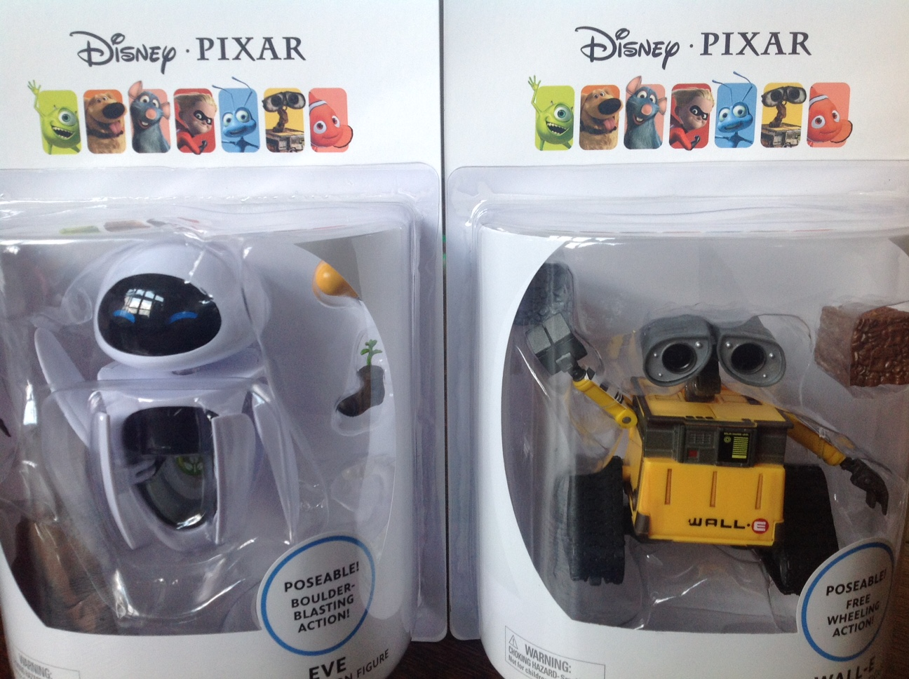Wall E Toys : Thinkway toys deluxe wall e and eve figures review
