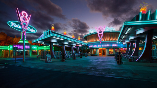 Flo's V8 Cafe Disneyland ©Disney