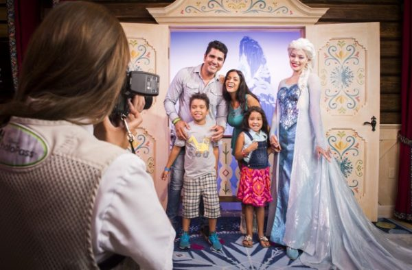 Elsa Meet & Greet ©Disney