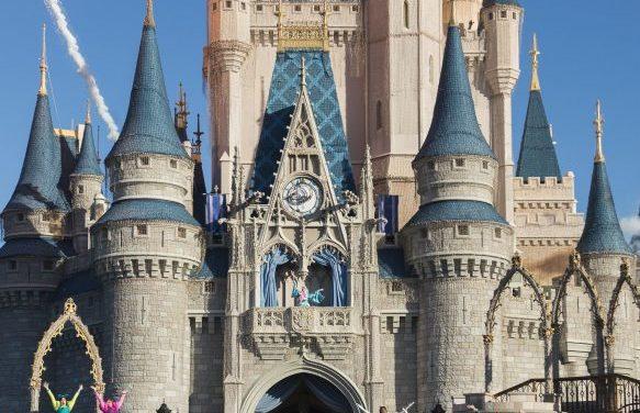 How to Rope Drop Magic Kingdom at Disney World